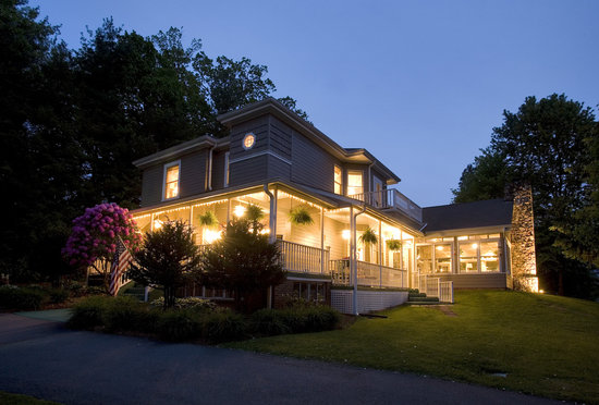 ‪‪Andon-Reid Inn Bed and Breakfast‬: Dusk‬