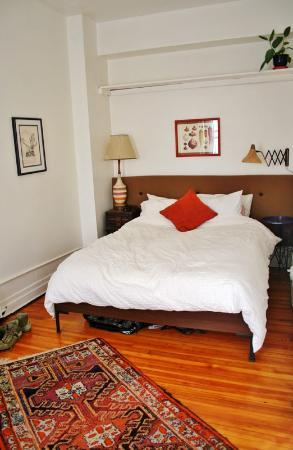3B: The Downtown Brooklyn Bed and Breakfast: Our bedroom