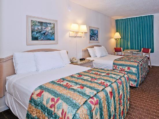 Super 8 Kissimmee Suites: Double Room