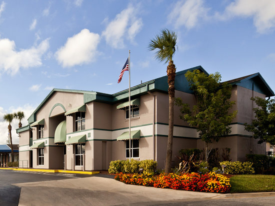 Super 8 Kissimmee Suites: Super 8 Lobby