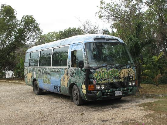 Negril Escape Resort & Spa: free shuttle to the 7 mile beach