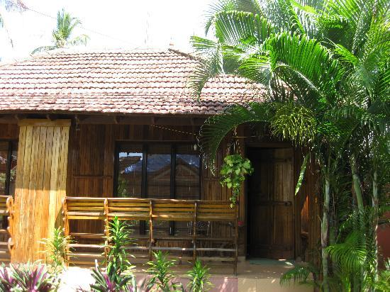 Puthooram Ayurvedic Beach Resort: Hut