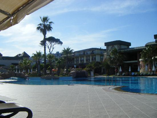 Maritim Pine Beach Resort: view from round the main pool