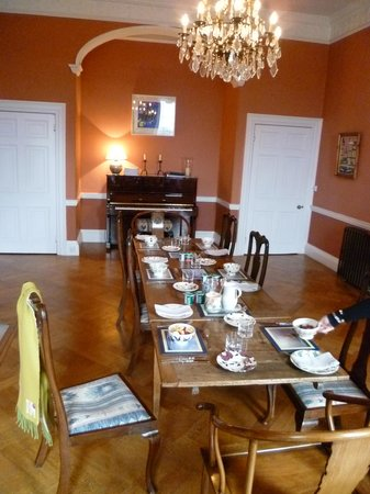 17 Lansdown Crescent: Breakfast Table before Breakfast is Served