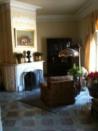 La Casa Grande: Stately Sitting Room