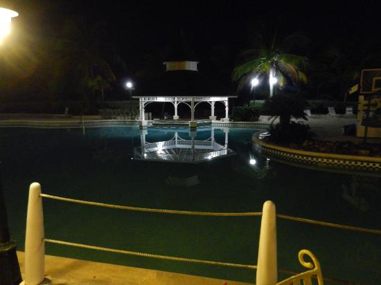 Braco Village Hotel & Spa: Pool bar