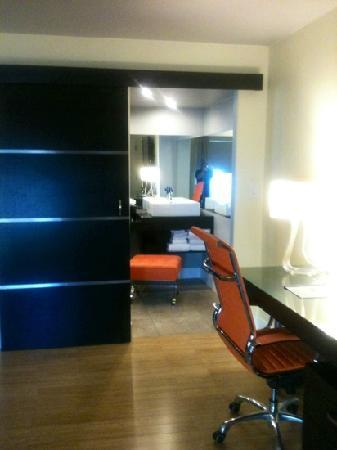 Hotel Current: nice desk & vanity area