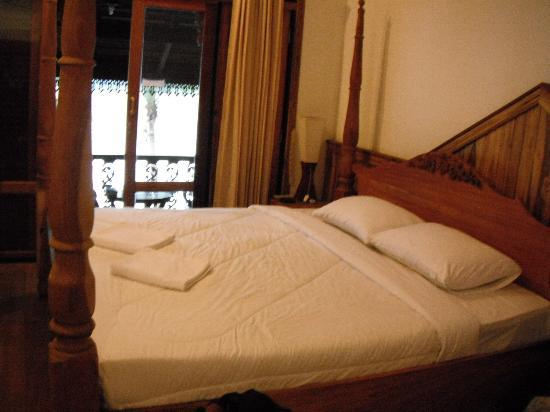 Luang Prabang River Lodge 2: Clean and comfortable bed and room
