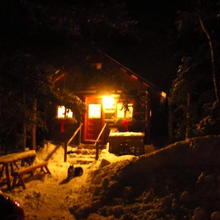 Pioneer Guest Cabins: Sunshine at night