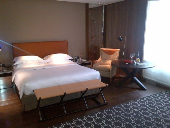 Ararat Park Hyatt Moscow : renovated Park King Deluxe