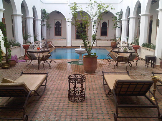 Equity Point Marrakech Hostel: Swimming pool