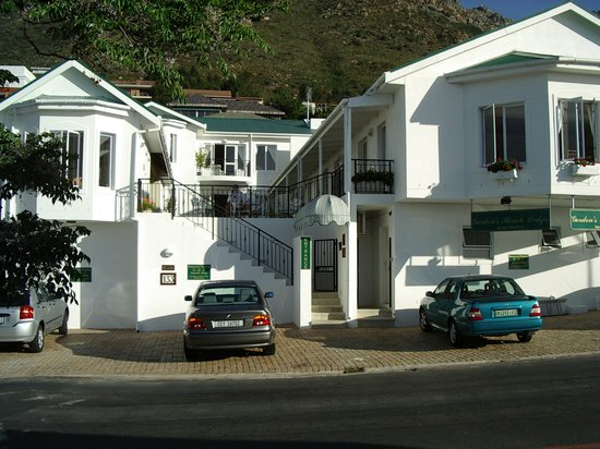 Gordon's Beach Lodge