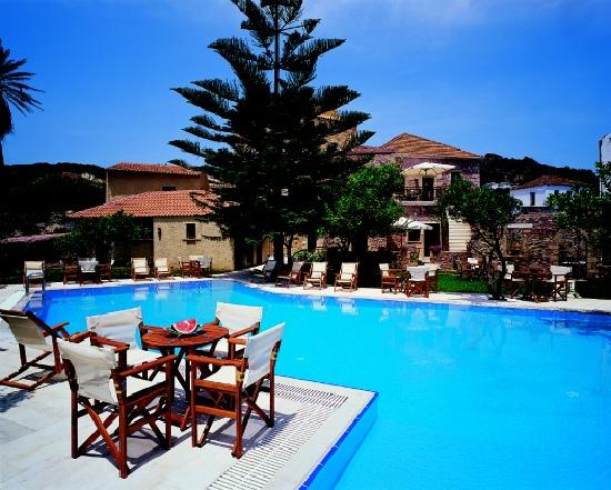 Spilia Village Hotel: Outdoor Swimming Pool