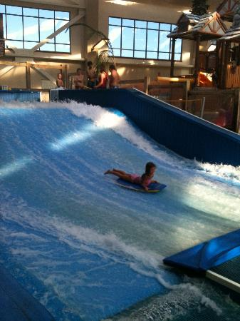 Wilderness at the Smokies Resort : Daughter on the Flowrider 
