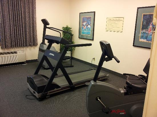 La Quinta Inn Cleveland Airport North : Fitness Center on premises - that's it