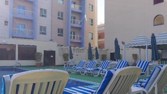 Ramada Bahrain: Pool Area
