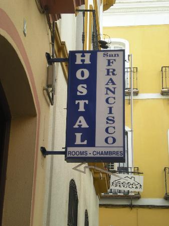 Hostal San Francisco : insegna hostal 