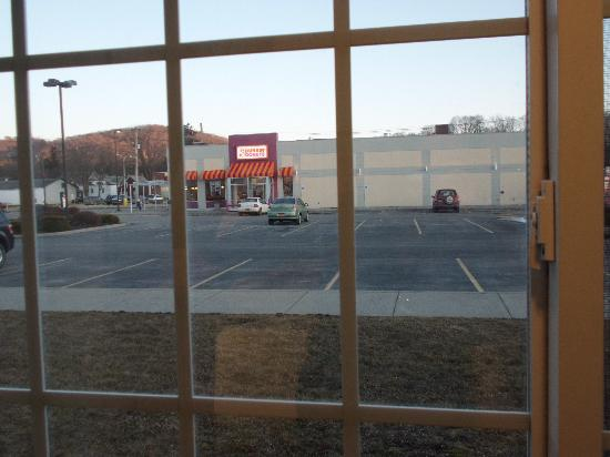Microtel Inn & Suites by Wyndham Wellsville: View of parking lot and Dunkin Donuts