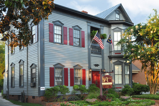 The Aerie Bed and Breakfast: The Aerie Bed &amp; Breakfast