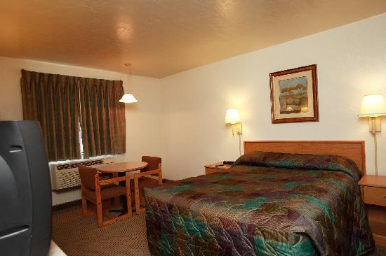 Super 8 Union Gap/Yakima Area: Standard Queen Bed Room