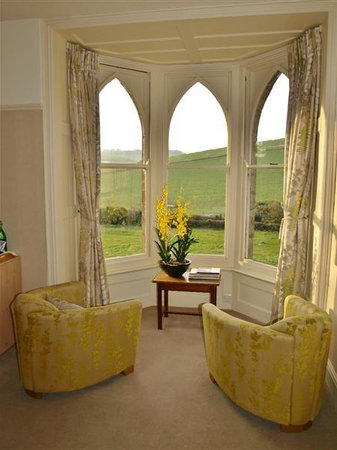 Bindon Bottom B&amp;B: Hardy Room - Soak up the hillside views!