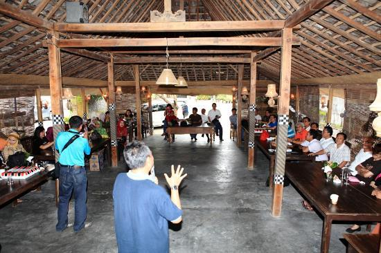 Rumah Palagan Yogyakarta: The Restaurant, pivot of our activities during stay.