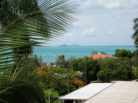 Airlie Apartments: Sea View Apartments