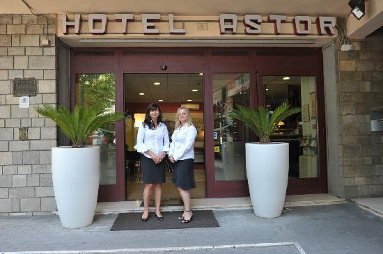 Astor Hotel: main entrance