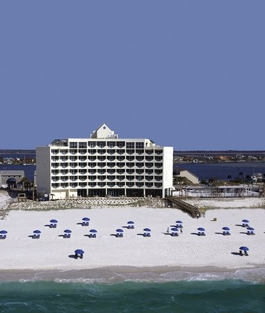 Holiday Inn Express Pensacola Beach: Away From Everything-Close To It All