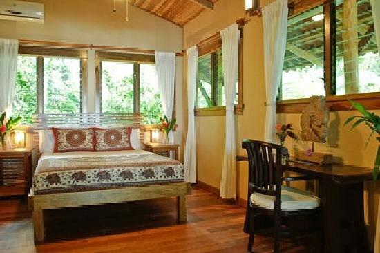 Drake Bay, Costa Rica: Luxury Cabina