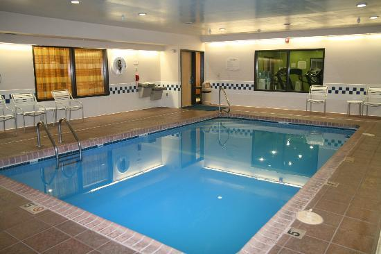 Fairfield Inn Hays: Pool