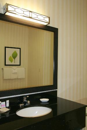 Fairfield Inn Hays: Vanity