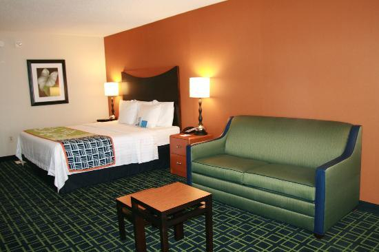 Fairfield Inn Hays: King with Sofabed