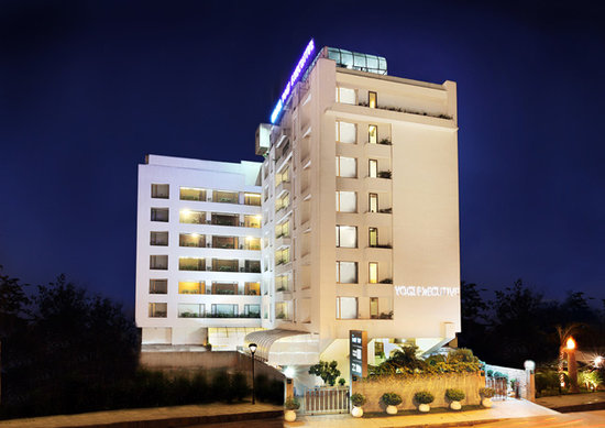 Hotel Yogi Executive: Yogi Executive 4 Star Business Hotel in Naci Mumbai