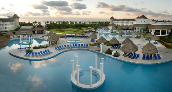 Grand Sunset Princess All Suites Resort &amp; Spa: Our 12 swimming pools provides perfect areas for leisure and relax