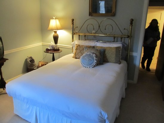 Meadowood Inn: Comfy room