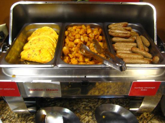 Hampton Inn Anchorage: southwest egg breakfast