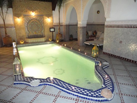 Le Pavillon Oriental: Piscina