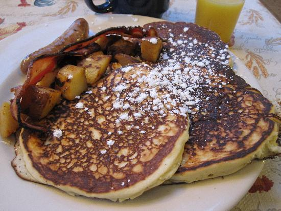 Butternut on the Mountain: Blueberry pancakes