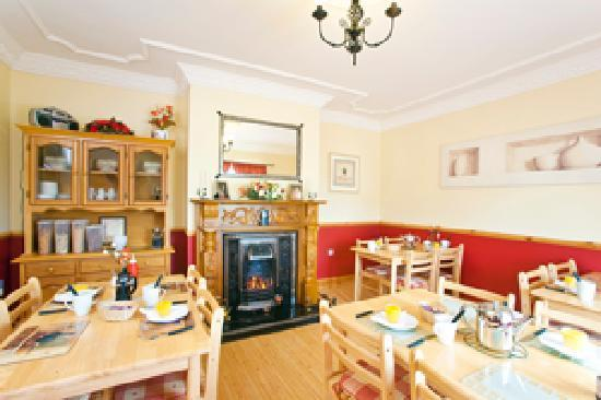 Burndale House B&B: The Dining room
