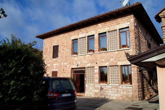 County House Il Roseto: The hotel is not very big, but cosy and feels like a home