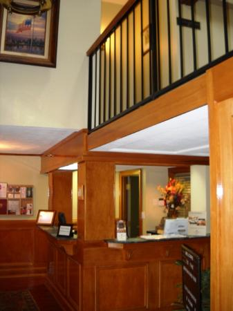 Governors Inn: Front desk