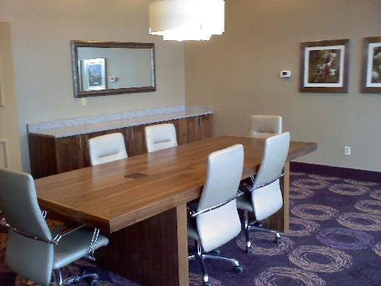 La Quinta Inn & Suites Butte: Our boardroom