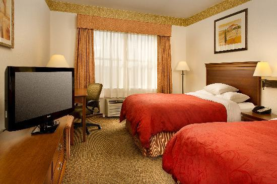 Country Inn & Suites Chambersburg: 2 Queen Standard Roomm