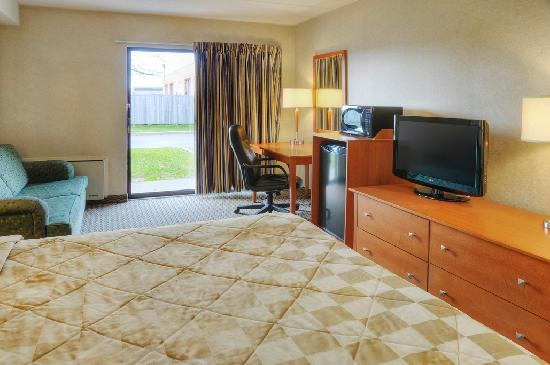 Comfort Inn: Premium Single Queen Drive Up