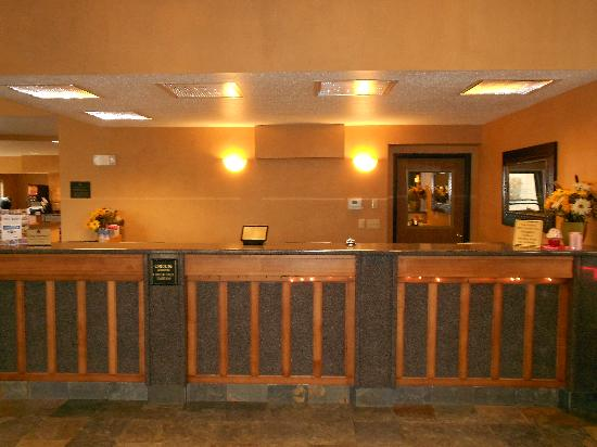 BEST WESTERN Ambassador Inn & Suites: Remodeled Front Desk