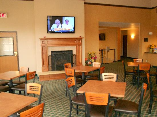 BEST WESTERN Ambassador Inn & Suites: Updated Lobby