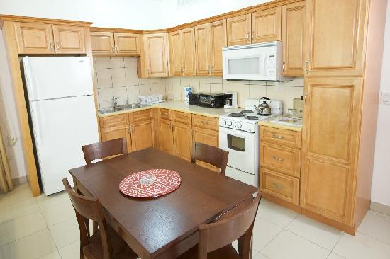 Simpson Bay Suites: 1 BDR Kitchen