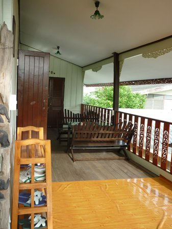 Chomanard Hut Home-stay
