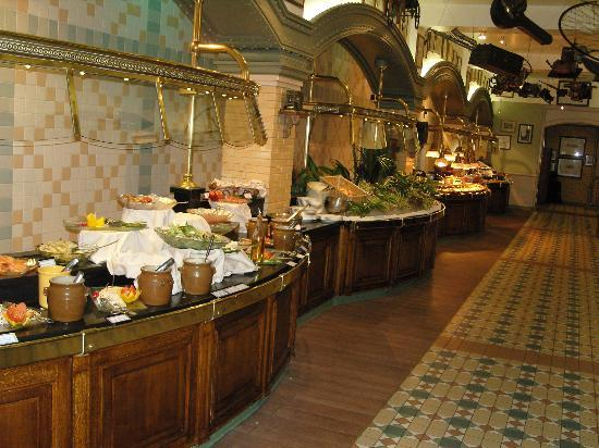 Inside the restaurant picture of inventions - La table de chessy ...